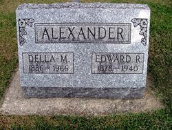 Della Mae <i>Wood</i> Alexander