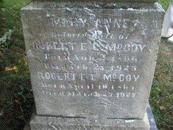 Robert E L McCoy