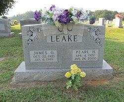 Pearl <i>Hilliard</i> Leake