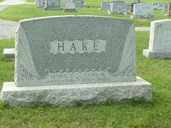 Linnie E Hake
