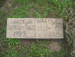 Robt Clyde