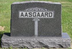 Brita <i>Grinde</i> Aasgaard