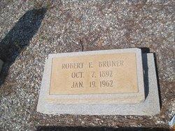 Robert E Bruner
