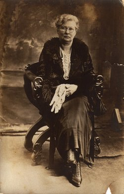 Lizzie Josephine <i>Fox</i> Pickett