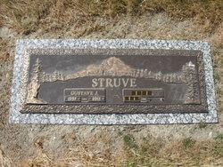 Gustave J Struve, Jr