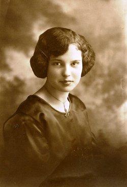 Annie Lillian <i>Larsen</i> Moesser