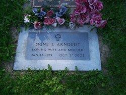 Signe E Arnquist