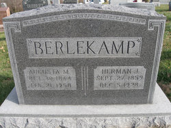 Augusta M Berlekamp