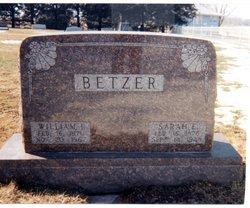 Sarah Elizabeth Sade <i>Simmons</i> Betzer