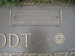 Agnes <i>Wortley</i> Aamodt