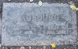 Helen <i>Hanlon</i> Aubourg