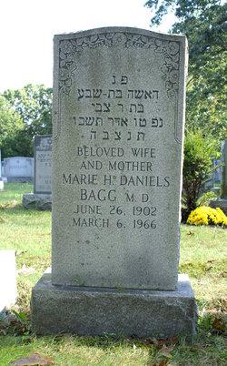 Dr Marie <i>Horowitz</i> Daniels-Bagg