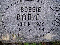 Robert R Daniel