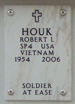 Robert L Houk