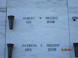 Robert W Higgins