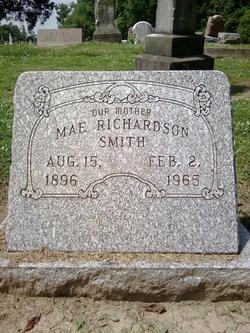 Mae <i>Richardson</i> Smith