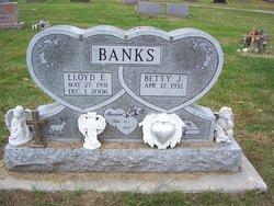Betty J. <i>Dean</i> Banks