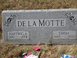 Emma <i>Petersen</i> de la Motte