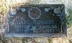 Mary <i>Schmidt</i> Niemeier