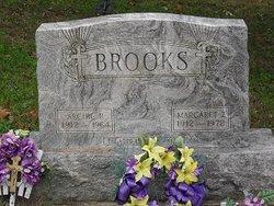 Archie R Brooks