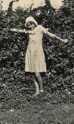Louise L <i>Russell</i> Singleton