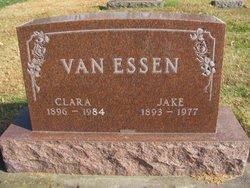 Clara Van Essen