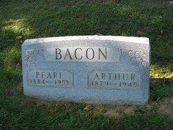 Pearl Bacon