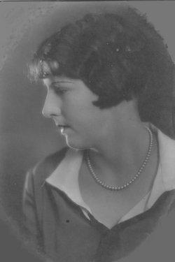Bertha E <i>Bannister</i> Cash