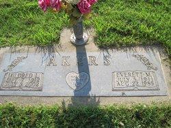 Mildred L Akers