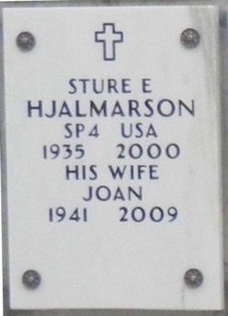 Joan <i>Fischer</i> Hjalmarson
