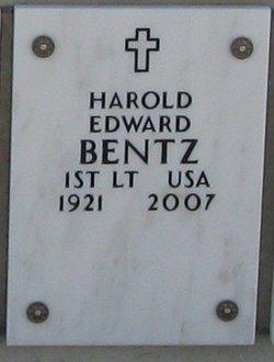 Lieut Harold E Bentz