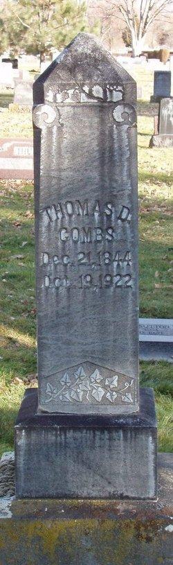 Thomas Dye Combs