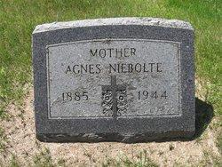 Agnes <i>Schutze</i> Niebolte