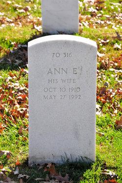 Ann E Hunter