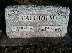 Daisy L <i>Harmon</i> Fairholm