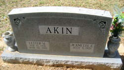Lester M Akin