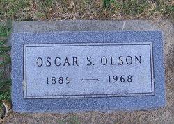 Oscar S Olson