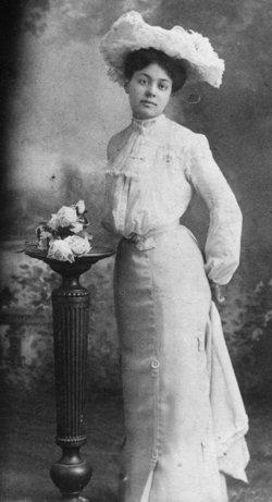 Clara Gladys Auntie <i>Garber</i> Thomas