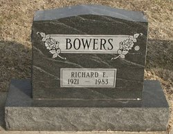 Richard E Bowers