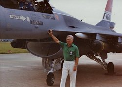 Harry James Hillaker, 89, father of the F-16 Fighting Falcon, died