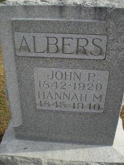 Hannah M Albers