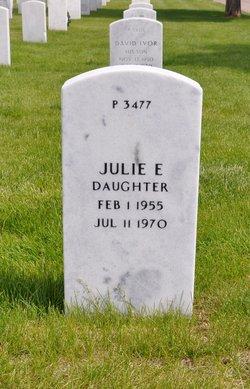 Julie E Carroll