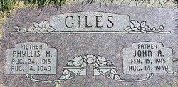 Phyllis <i>Hicken</i> Giles