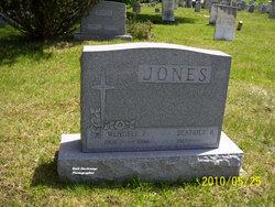 Beatrice B Jones