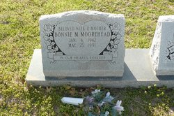 Bonnie M Moorehead
