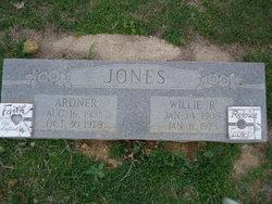 Willie <i>Rooks</i> Jones