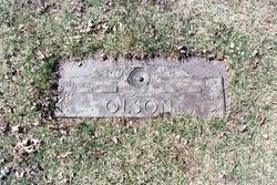 Bernice F <i>Uhlir</i> Olson