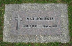 Max Jonientz