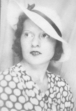 Florence Gertrude Flo <i>Hennig</i> Brown