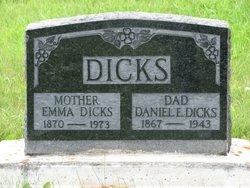 Daniel Edwin Dicks